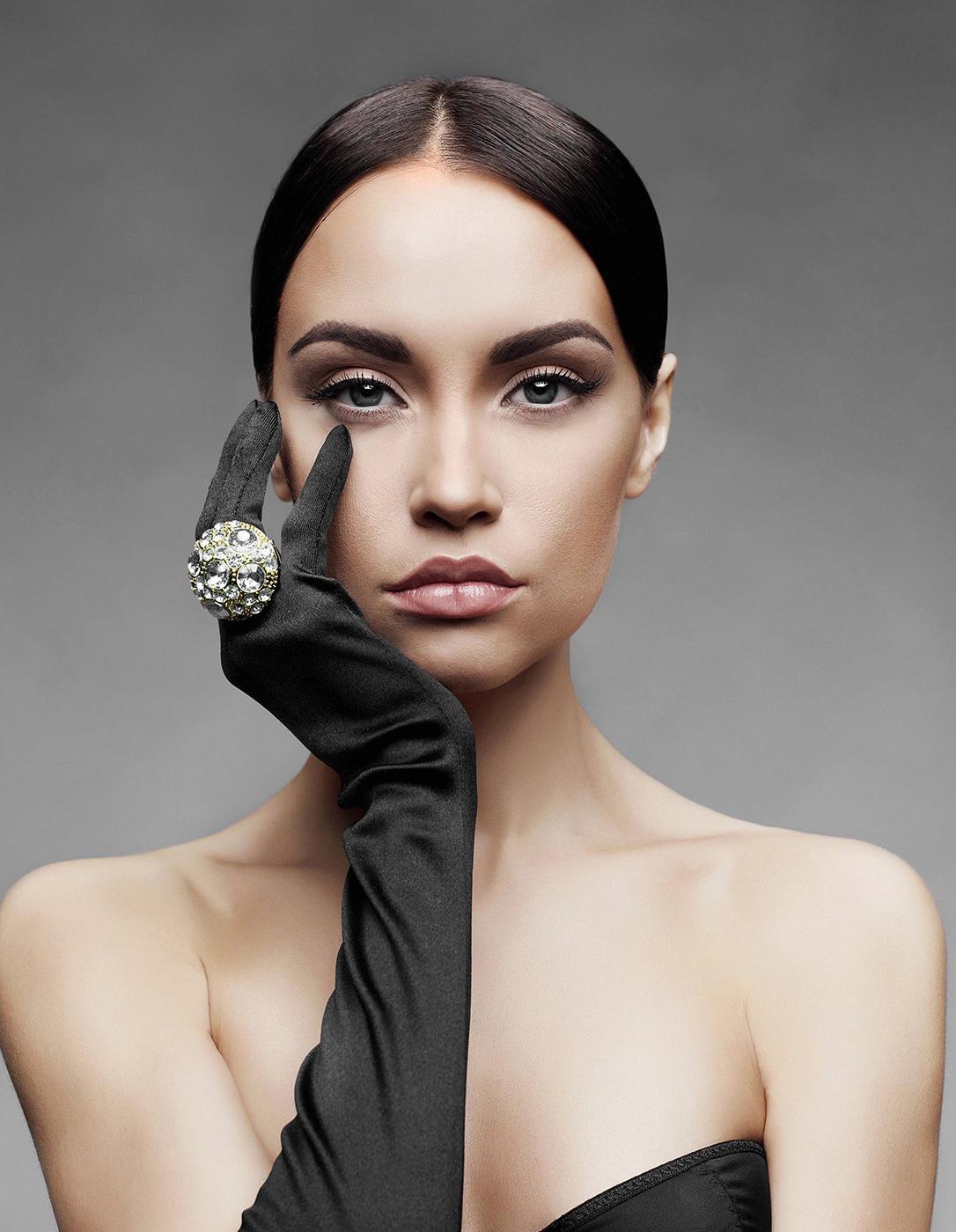 Kalıcı Eyeliner Uygulaması Etiler